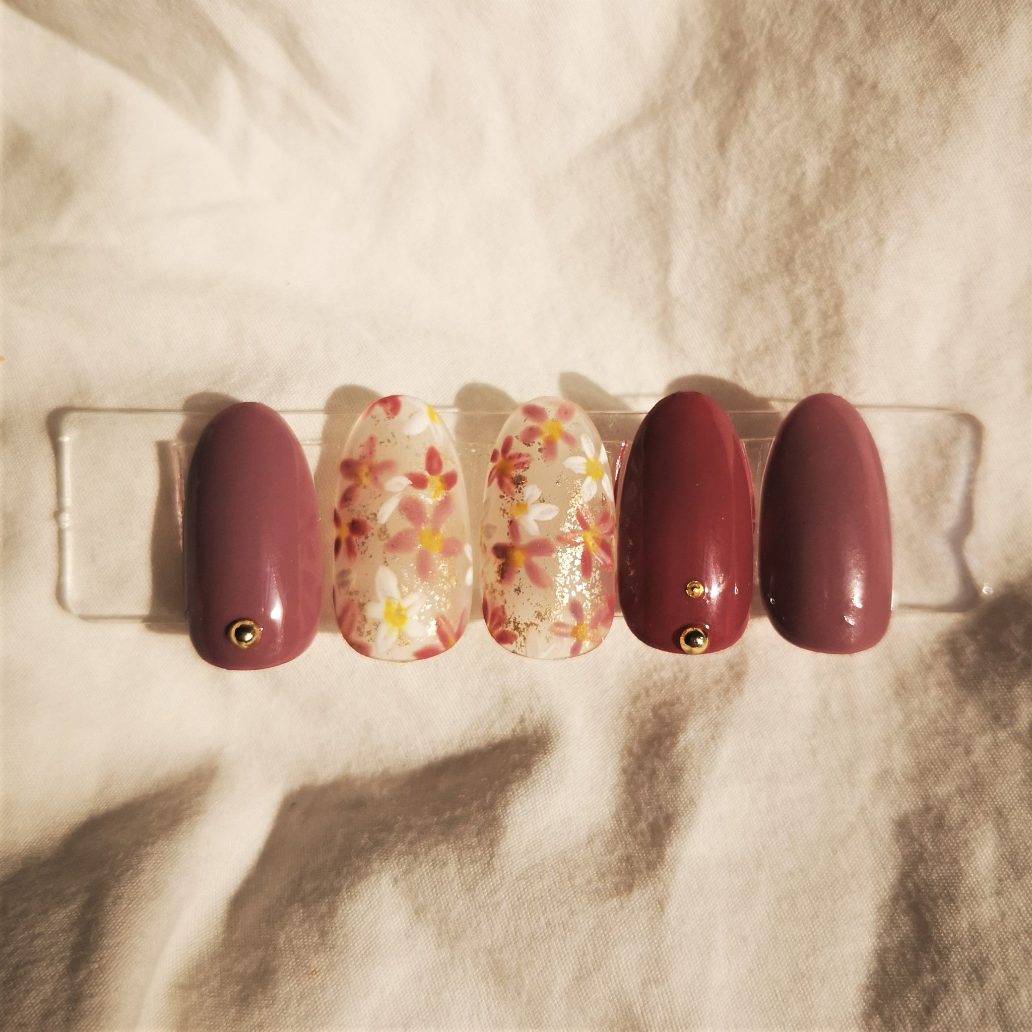 HANDMADE - FLORAL DESIGN WITH BEAUTIFUL CRIMSON RED PRESS-ON NAIL SET