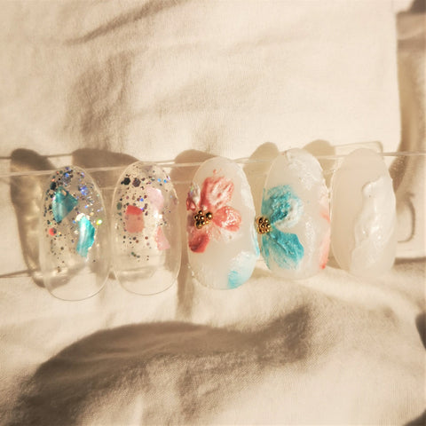 HANDMADE - GLASS SCULPTURE INSPIRED FLORAL PRESS-ON NAIL SET