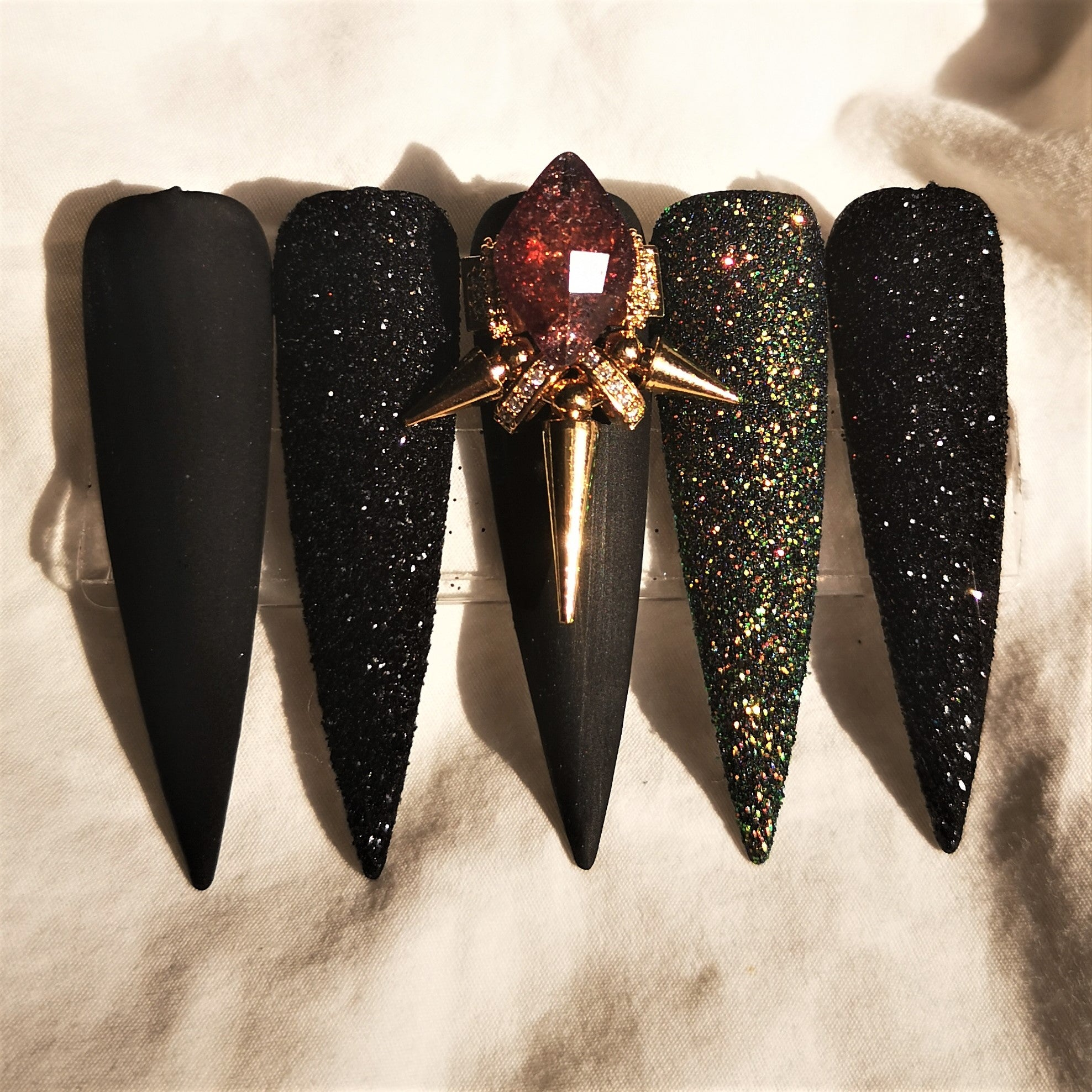 HANDMADE NIGHT QUEEN PRESS ON NAIL SET