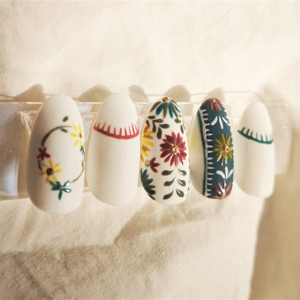 HADEMADE NOMADIC INSPIRED PRESS-ON NAIL SET