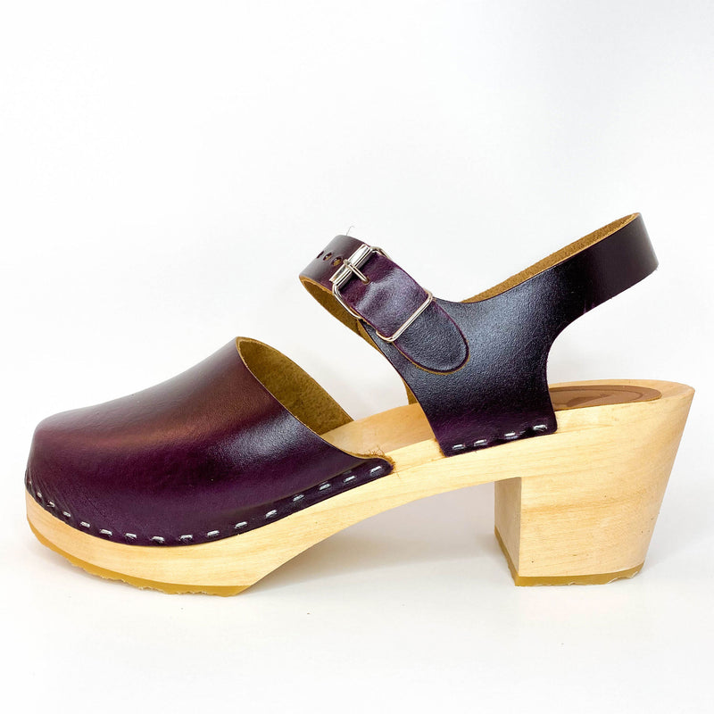 IN STOCK CLOGS - SIZE 41