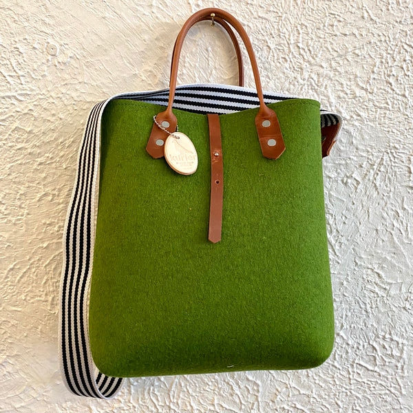 Holiday tote - felt