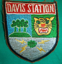 Load image into Gallery viewer, DAVIS STATION - CIA - USASA - Vietnam War Patch - TAN SON NHUT AIR BASE - SAIGON - USASA - 509th RRU - US SPECIAL FORCES