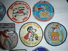 Load image into Gallery viewer, SNOOPY - Lot x 10 VIETNAM WAR PATCH - MACV-SOG - US AIR FORCE - SEALs - GOLDEN FLOW DRUG TEST - THAILAND - I'll Drink to Anything - SLEEPY TIME - BIRD DOG - RED'S a WINNER