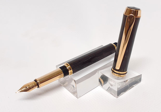 GENTLEMANS BOG OAK FOUNTAIN PEN