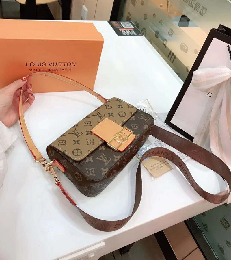 Women Fashion Messenger Bags Shoulder Bag Women Leather Bag Crossbody Bags Women Fashion Handbags  Size 23*14*6cm