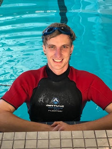 Injured Athlete Back to Gliding Through Water Thanks to Floater Wetsuit