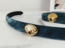 Load image into Gallery viewer, Vintage Morgan Taylor Green Suede Belt