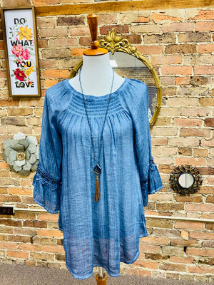 Ruffle Sleeve Oil Wash Peasant Top in Blue