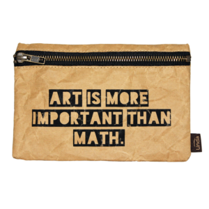 Estuche multiusos Art is more important than math