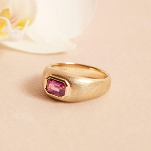 Goldie Ring with Hot Pink Sapphire - 14ct Gold