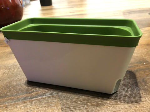 "10.5"" self-watering rectangle pots (green)"