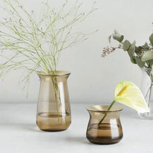 Load image into Gallery viewer, Small Luna Vase