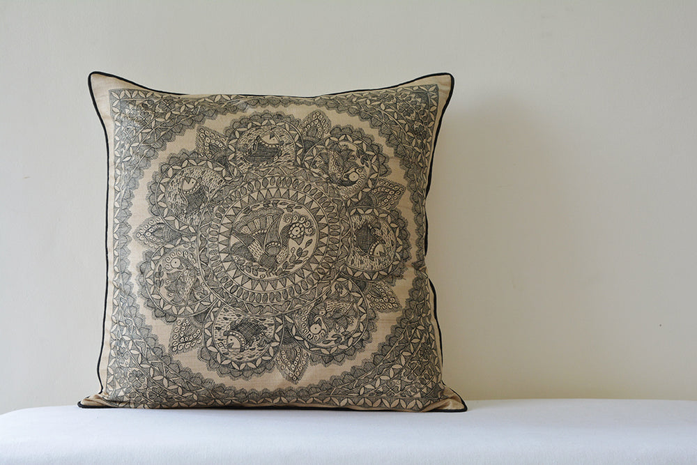 Load image into Gallery viewer, Madhubani Square Cushion Cover