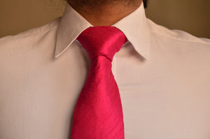 Load image into Gallery viewer, Raw Silk Necktie in Solid Magenta