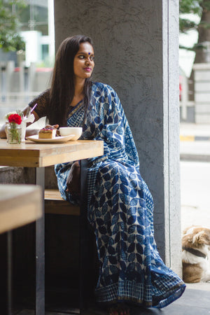 Load image into Gallery viewer, Kaisori Dabu Indigo Saree