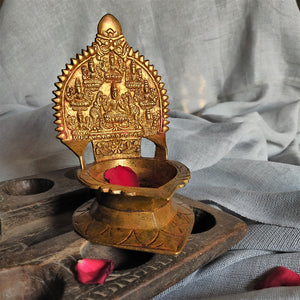 Load image into Gallery viewer, Vintage Brass Ashtalakshmi Lamp