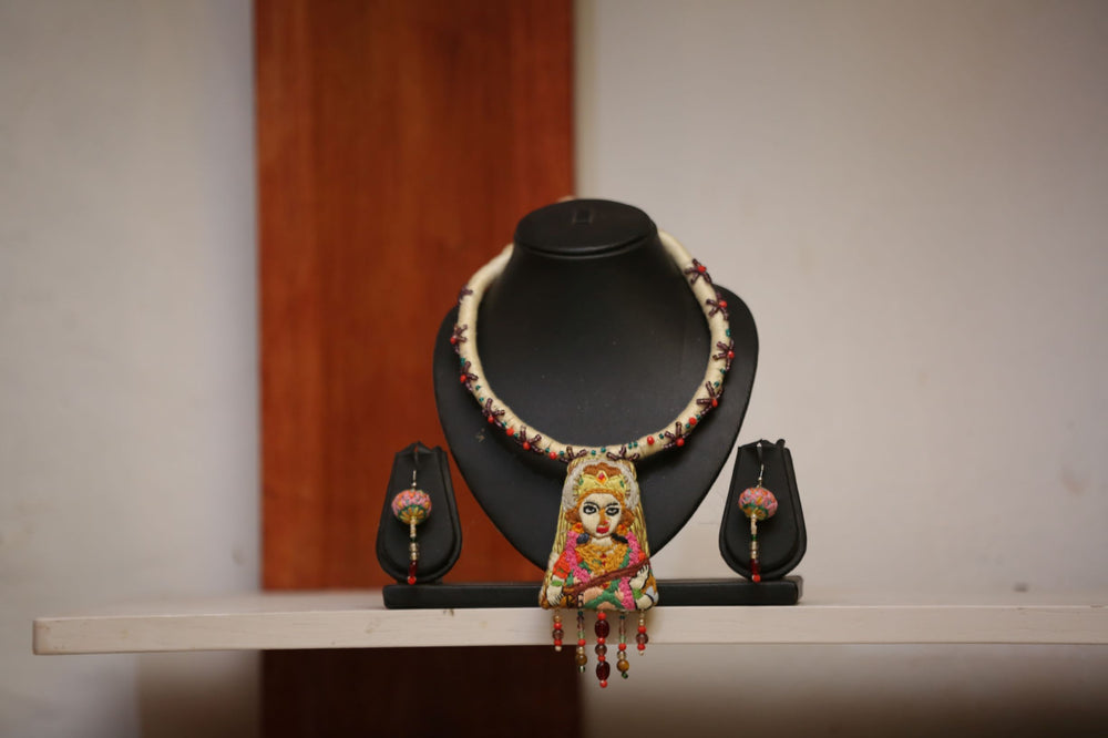 Load image into Gallery viewer, Devi Choker & Earrings