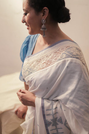 Load image into Gallery viewer, Mohua - Heritage Blue Border Saree