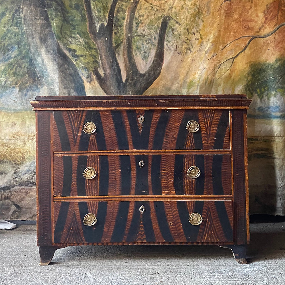 Antique Pine Chest With Decorative Grain Painting