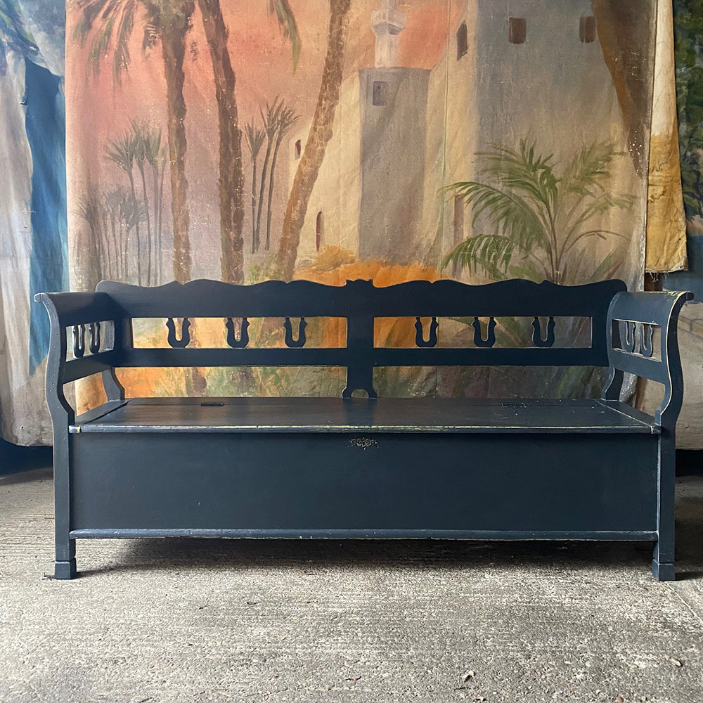 Smart Black Painted Neo-Classical Style Box Bench