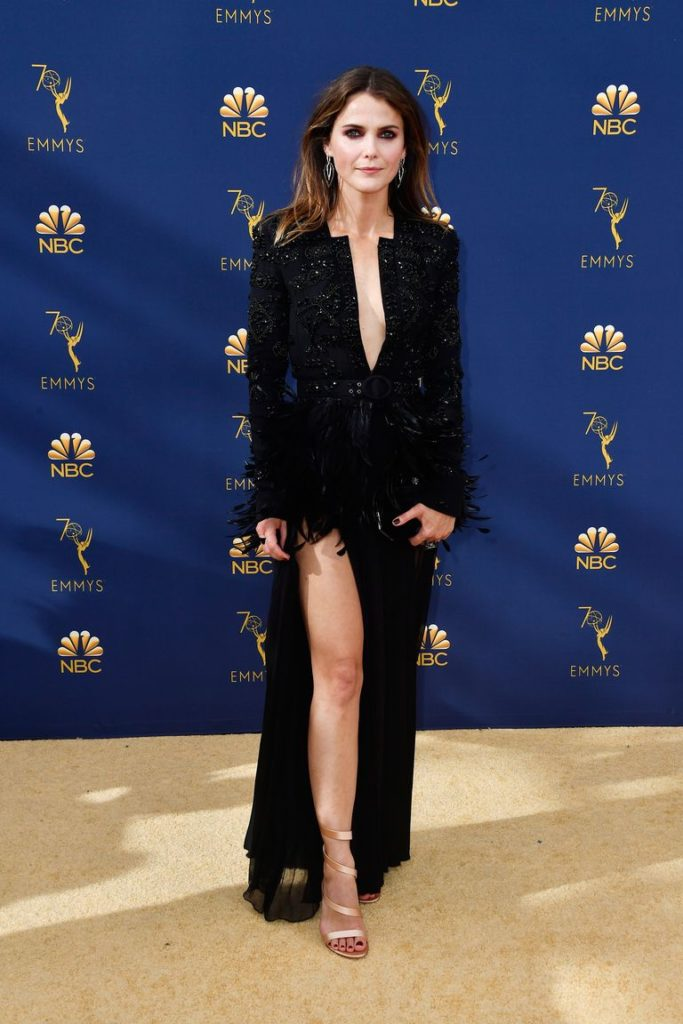 Keri Russell emmy 2018 wearing a Black dress by Zuhair Murad, Terry Ellis clutch and