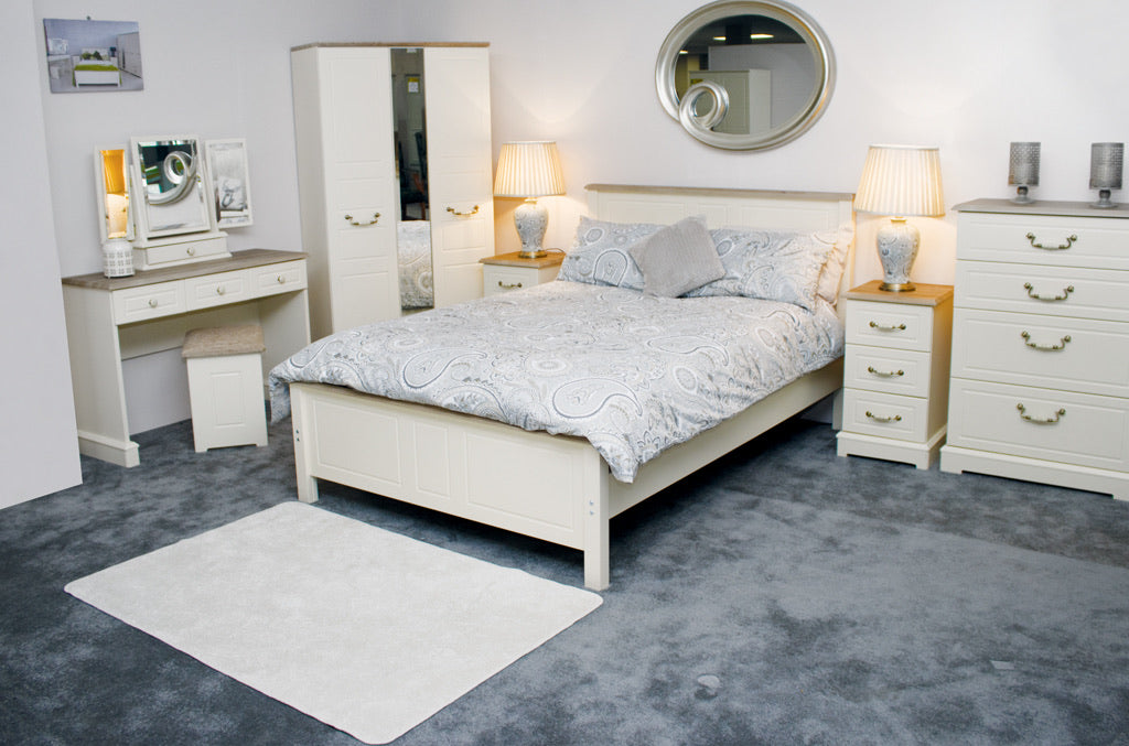 CHAMPAGNE OAK AND CREAM BEDROOM COLLECTION
