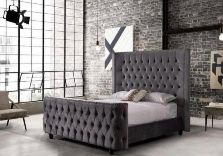 Winged Cansis Grey Bed King with free mattress