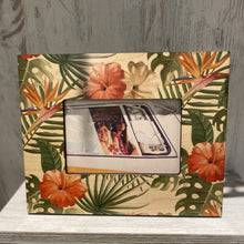 Load image into Gallery viewer, Vintage Floral 4X6 Picture Frame