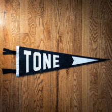 "Load image into Gallery viewer, Oxford ""Tone"" Pennant Black & White"