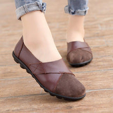 Load image into Gallery viewer, Woman's Flats Shoes Soft Genuine Leather Big Size 35-44 Patchwork Suede Boat Shoes for Women Hook Loop Zapatillas Mujer - ladystreets