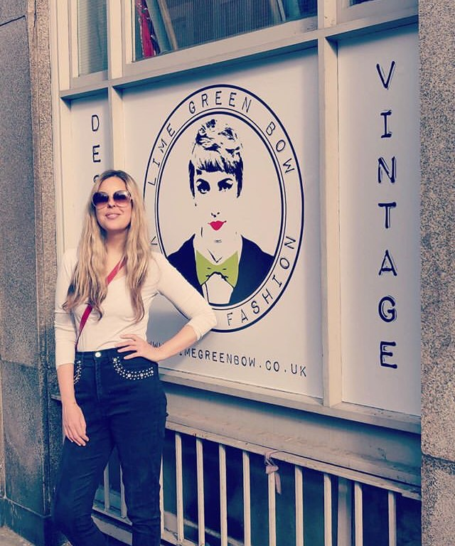 Vintage and designer shop notting hill