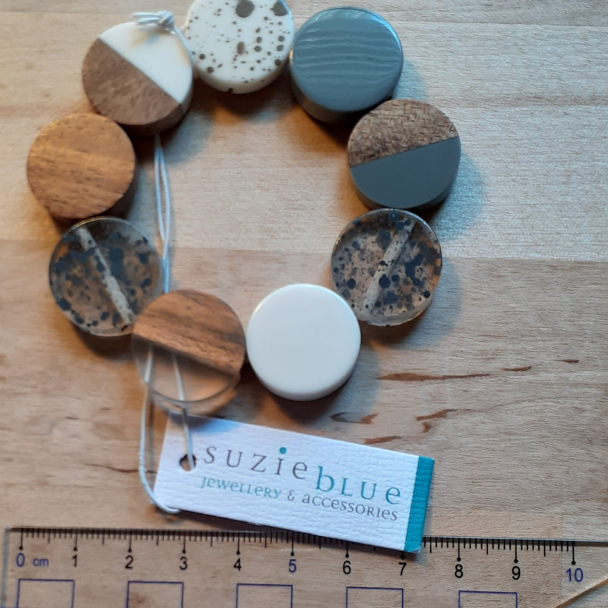 Elasticated Resin and Wood Bracelet - grey, white and wood - Luvit!