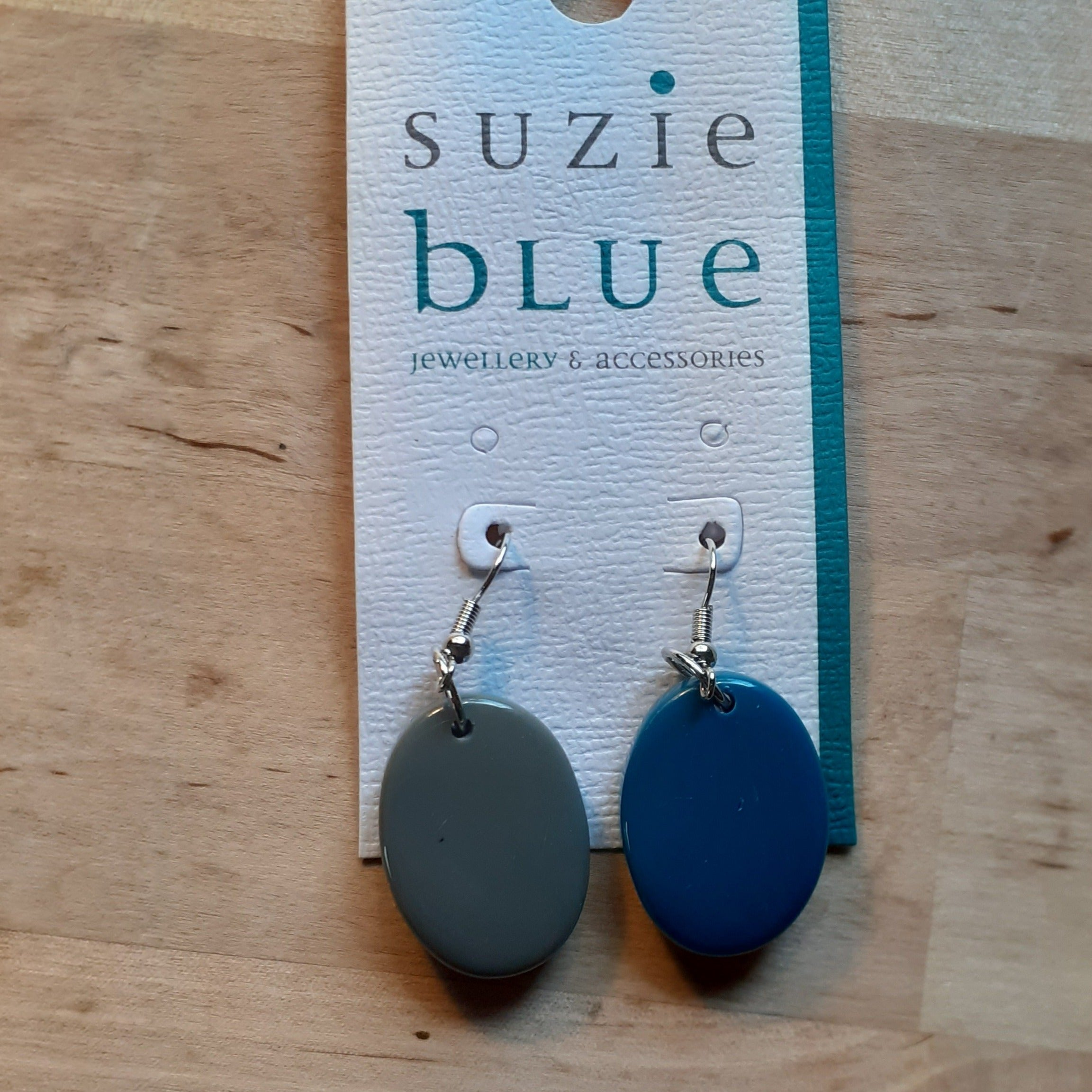 Double Sided Tonal Oval Resin Earrings - Grey and Blue - Luvit!