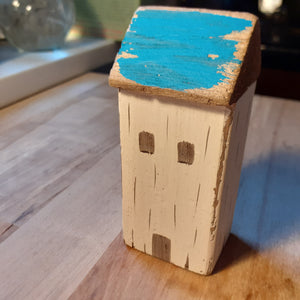 Sandpiper Cottage Wooden Decoration - Luvit!