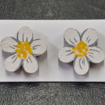 Load image into Gallery viewer, White Daisy Flower Stud Earrings (Pair of) - Luvit!