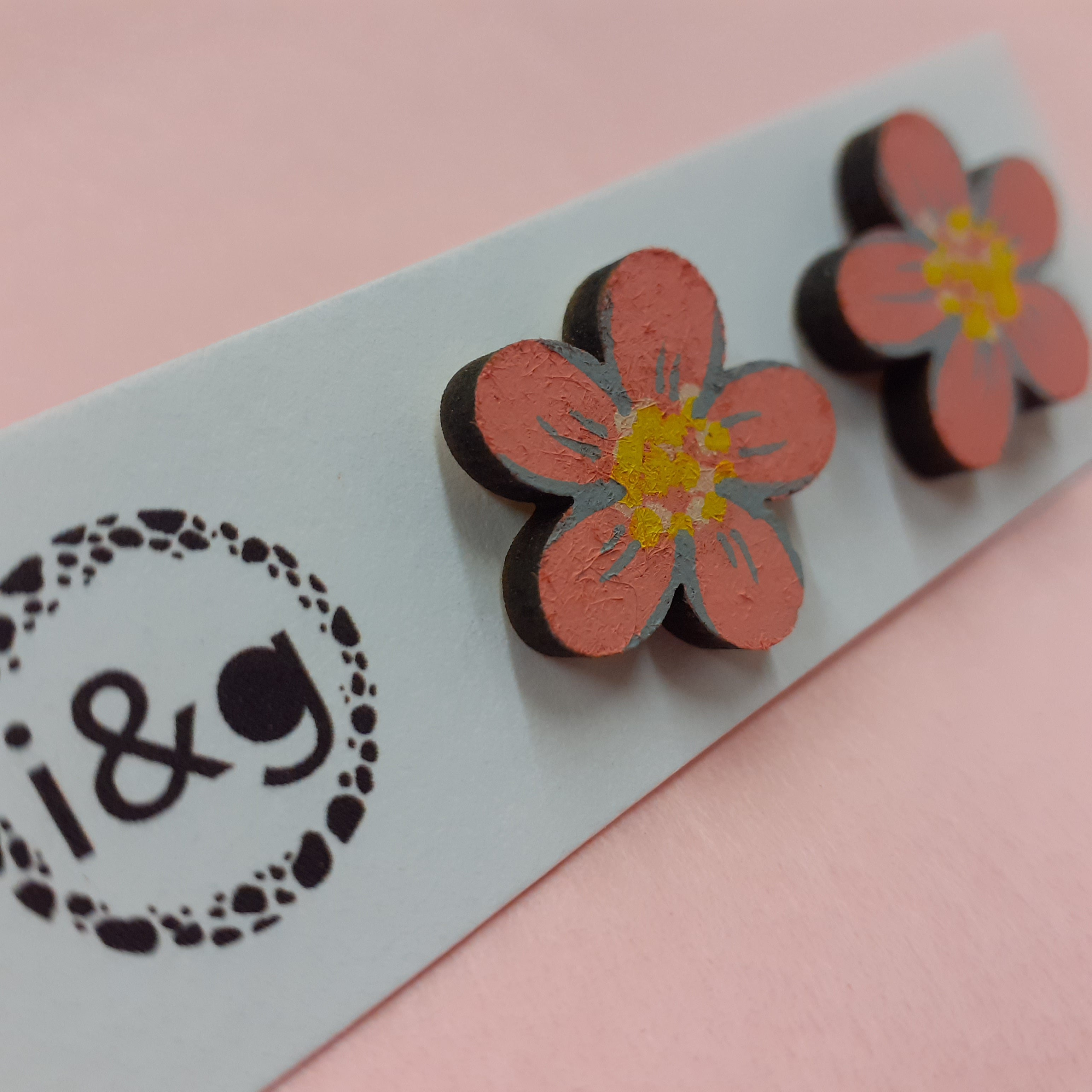 Pink Daisy Flower Stud Earrings (Pair of) - Luvit!