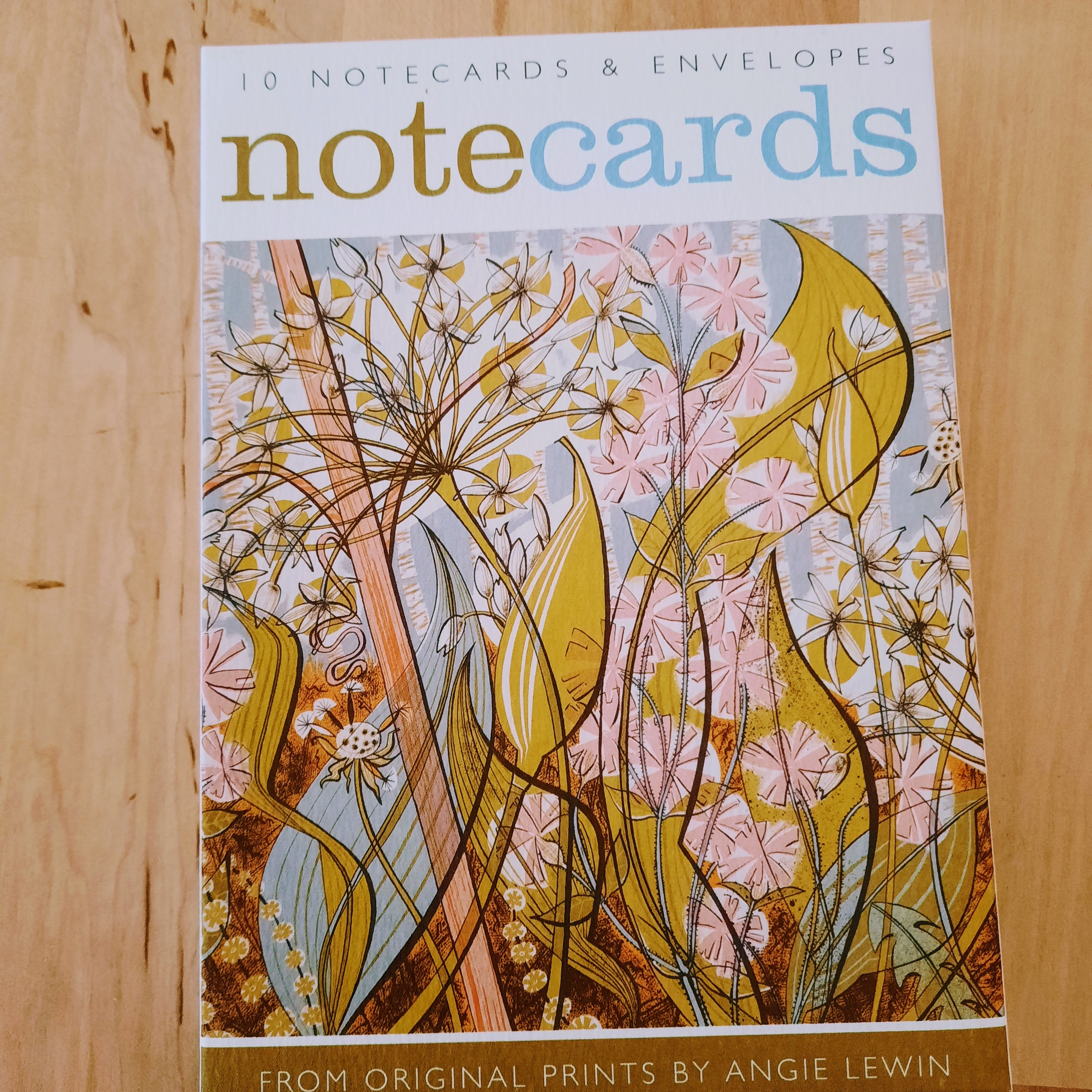 Wallet of Notecards - Agapanthus, Ramsons and Campion floral design