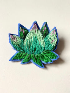 Succulent brooch - hand embroidered