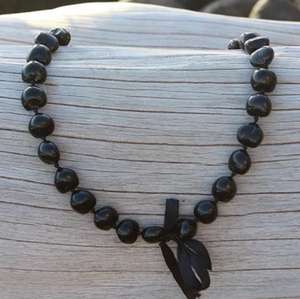 Kukui Nut Lei Black