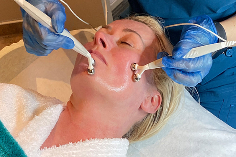 NeoLift & Plump Microcurrent Facial