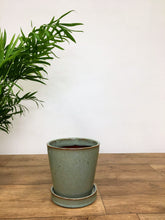 Load image into Gallery viewer, Ceramic pot with saucer