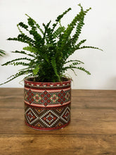 Load image into Gallery viewer, Patterned Plant pot - Red