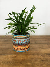 Load image into Gallery viewer, Patterned Plant pot - Light blue