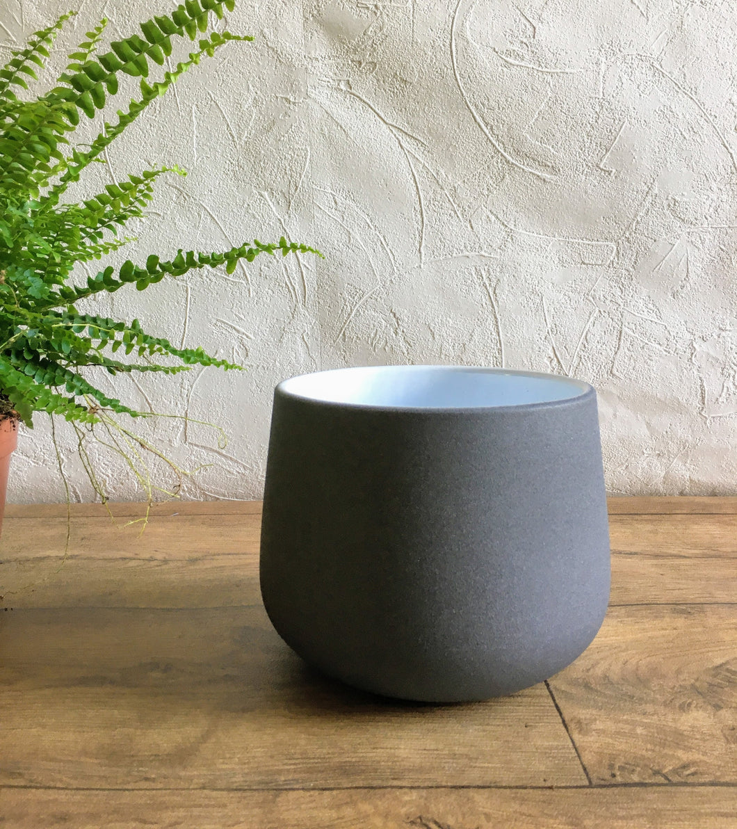 Ceramic rounded Plant Pot - Charcoal