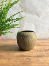 Load image into Gallery viewer, Riga Plant Pot