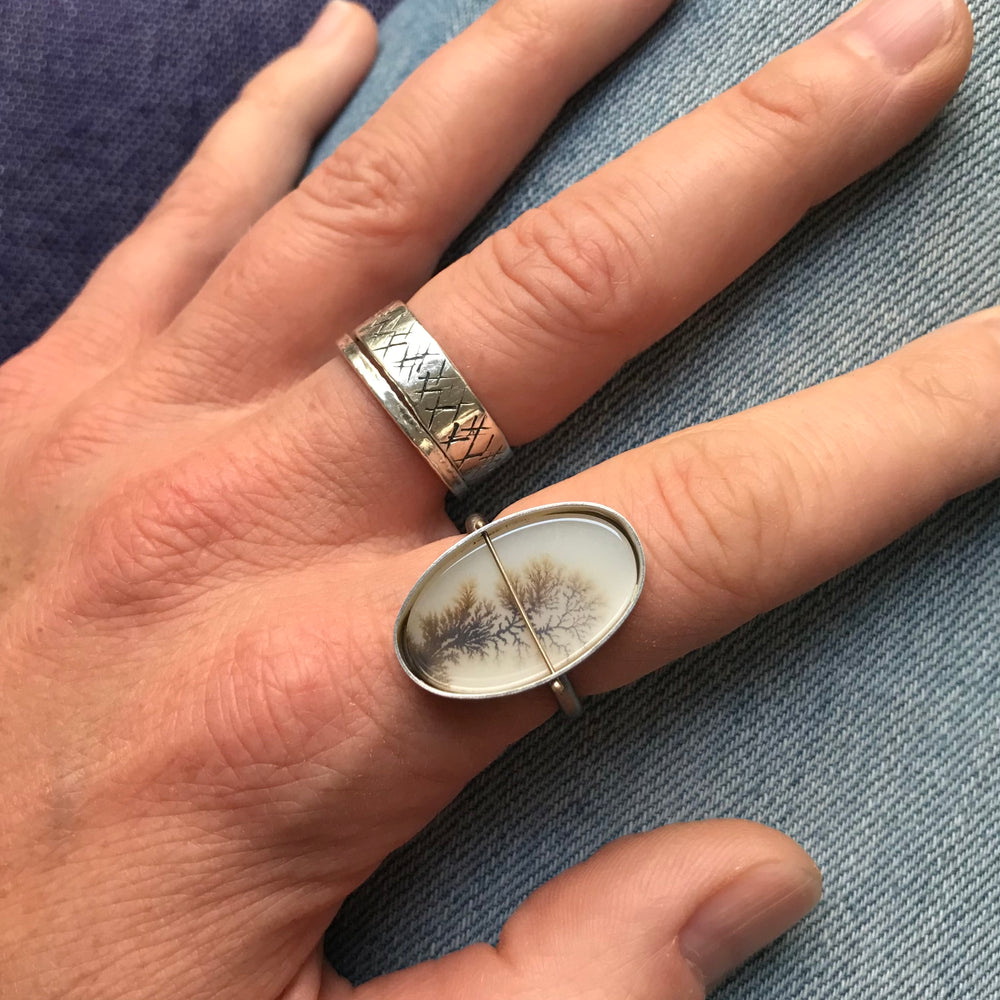 Load image into Gallery viewer, Captured Dendritic Agate Ring