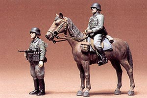 Military Minitures Wehrmacht Mounted Infantry Set - Chester Model Centre