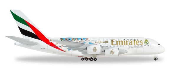 Snapfit - Emirates Airbus A380 Real Madrid A6-EUG (1:250) - Chester Model Centre