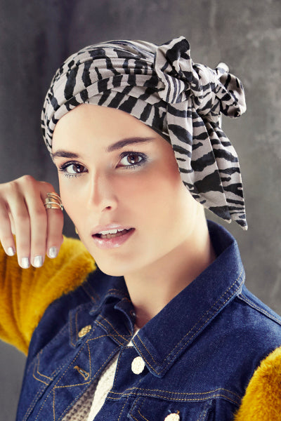 Karla - Turban with long belts in cotton/viscose - zebra stripes 1439-0616